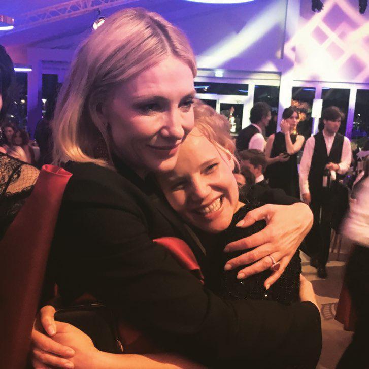 Zdjęcie (1) Joanna Kulig i Tomasz Kot pochwalili się niezwykłym zdjęciem z Cannes! Jest na nim również zjawiskowa Cate Blanchett!
