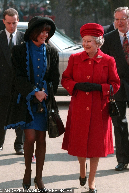 Jolanta Kwaśniewska i królowa Elżbieta II w 1996 roku