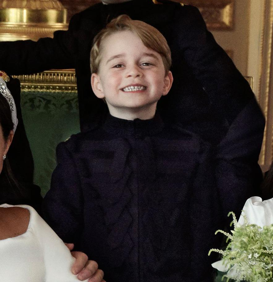 Książę George na oficjalnym ślubnym portrecie Meghan Markle i księcia Harry'ego