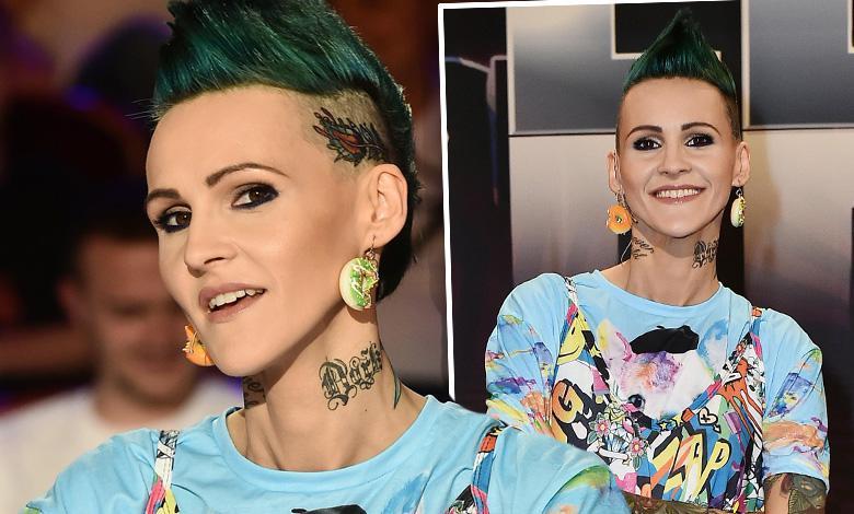 Tak teraz wygląda Agnieszka Chylińska. Nowa fryzura, tatuaż na głowie, i TA stylizacja… Nowe zdjęcia wprawiają w osłupienie!