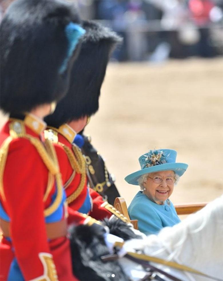 Królowa Elżbieta II - Trooping the Colour 2018