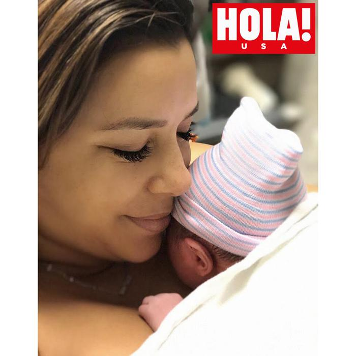 Eva Longoria z synem na okładce HELLO! USA