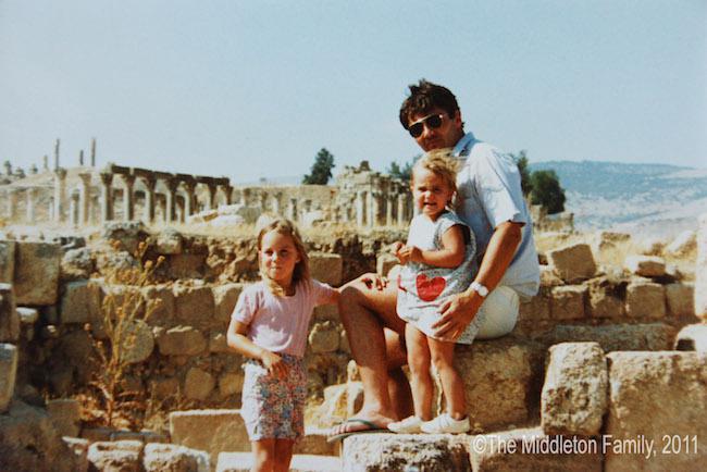Księżna Kate z rodzicami i siostrą Pippą w Jordanii