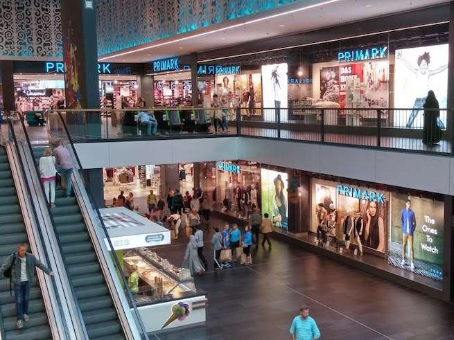 Zdjęcie (6) Czy przymierzanie ubrań w sklepach jest teraz bezpieczne? Zara, H&M, Reserved… Każda marka działa na innych zasadach