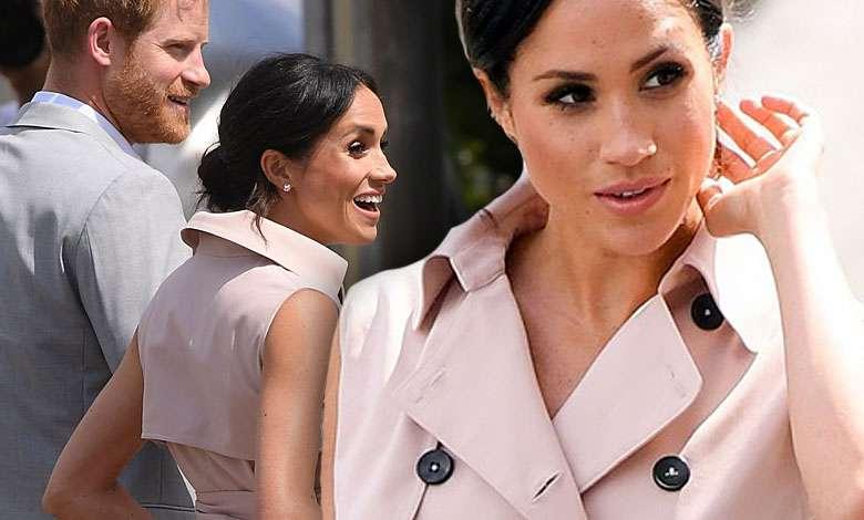 To płaszcz czy sukienka? Meghan Markle tym razem postanowiła być bardzo trendy. Oto efekt