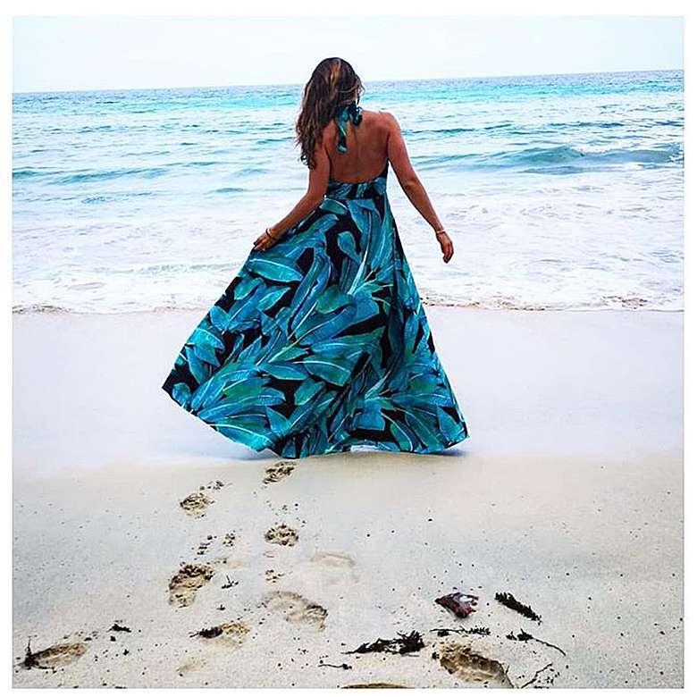 Anna Lewandowska w sukience z internetu