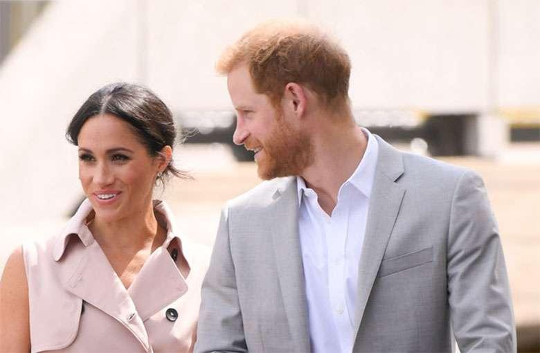 Zdjęcie (20) Książę Karol nie jest ojcem księcia Harry'ego? Plotki krążą od lat, ale to jedno zdjęcie rozwiewa wszelkie wątpliwości!