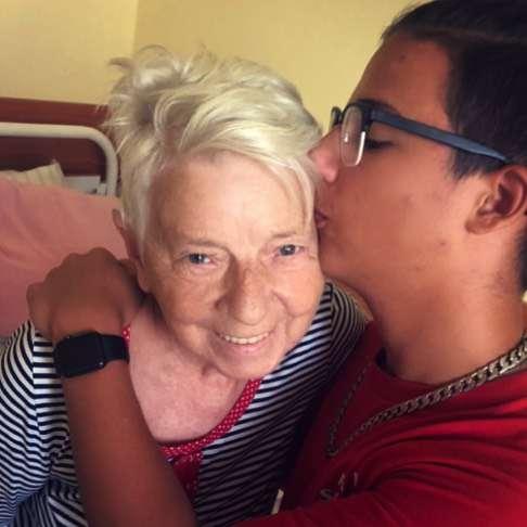 Edyta Górniak z synem Allanem odwiedziła chora matkę w szpitalu