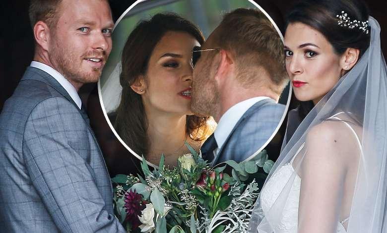 """Daniel z """"Na Wspólnej"""" wziął ślub! Zaprosił na ceremonię połowę obsady serialu i przywiózł żonę Mustangiem do kościoła!"""
