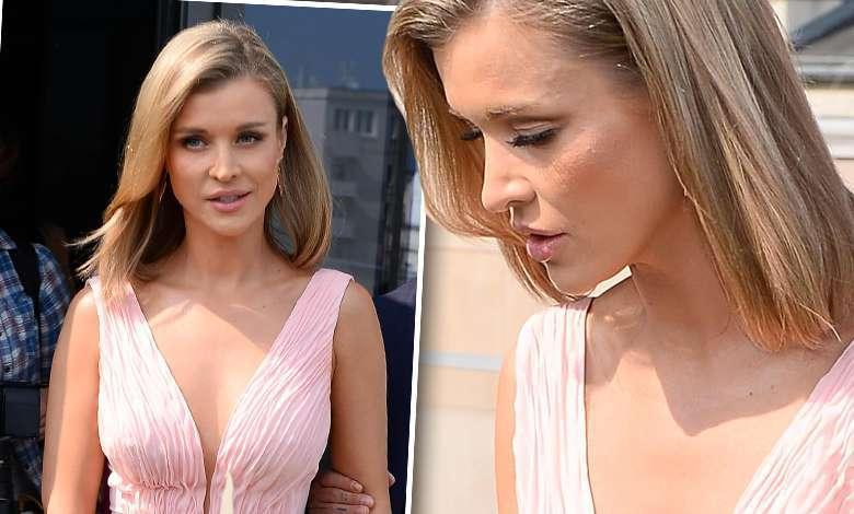Joanna Krupa walczyła z sukienką na konferencji Top Model