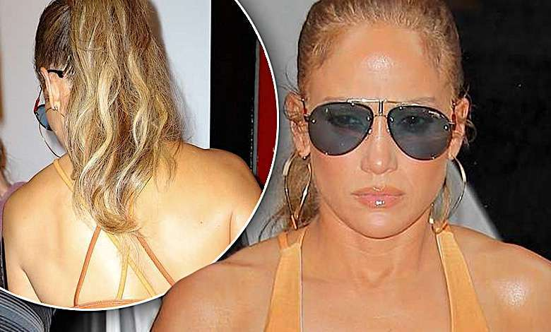 Jennifer Lopez w staniku