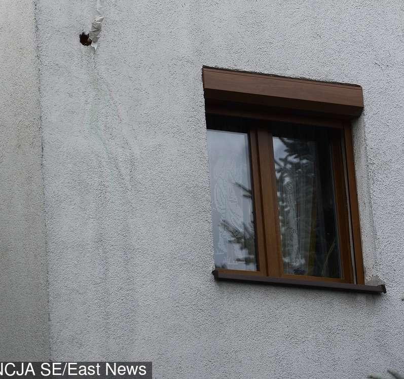 """Zdjęcie (11) """"Willa prezesa w ruinie"""". Tabloid pokazał jak mieszka Jarosław Kaczyński! Mamy te zdjęcia!"""