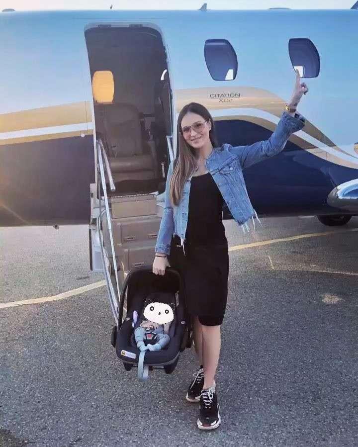 Marina i Liam mają prywatny samolot