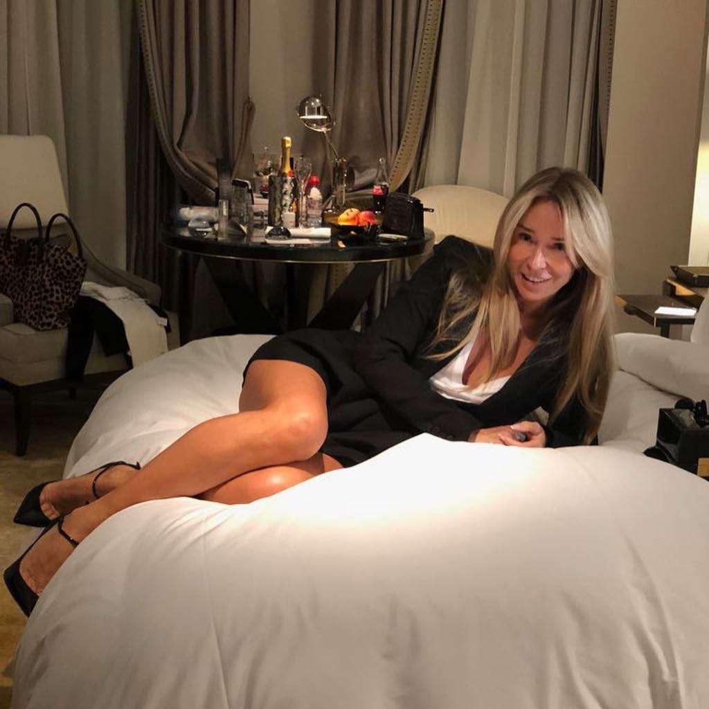 Joanna Przetakiewicz w łóżku