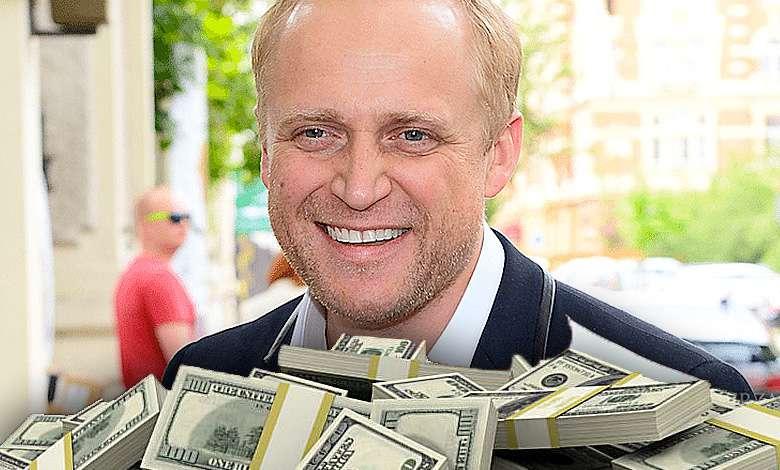 Piotr Adamczyk ile zarabia