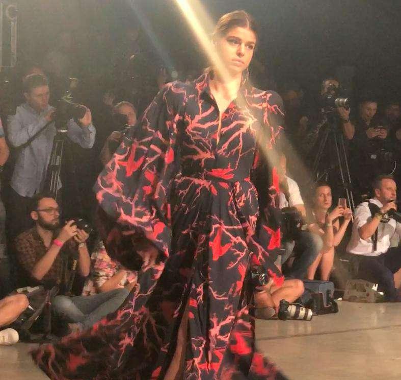 Anna Markowska z Top Model na pokazie Bizuu