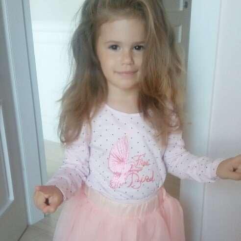 Zdjęcie (1) Córka Iwony Węgrowskiej podbija internet! Ma 3 lata i włosy jak Violetta Villas! Co za uroda