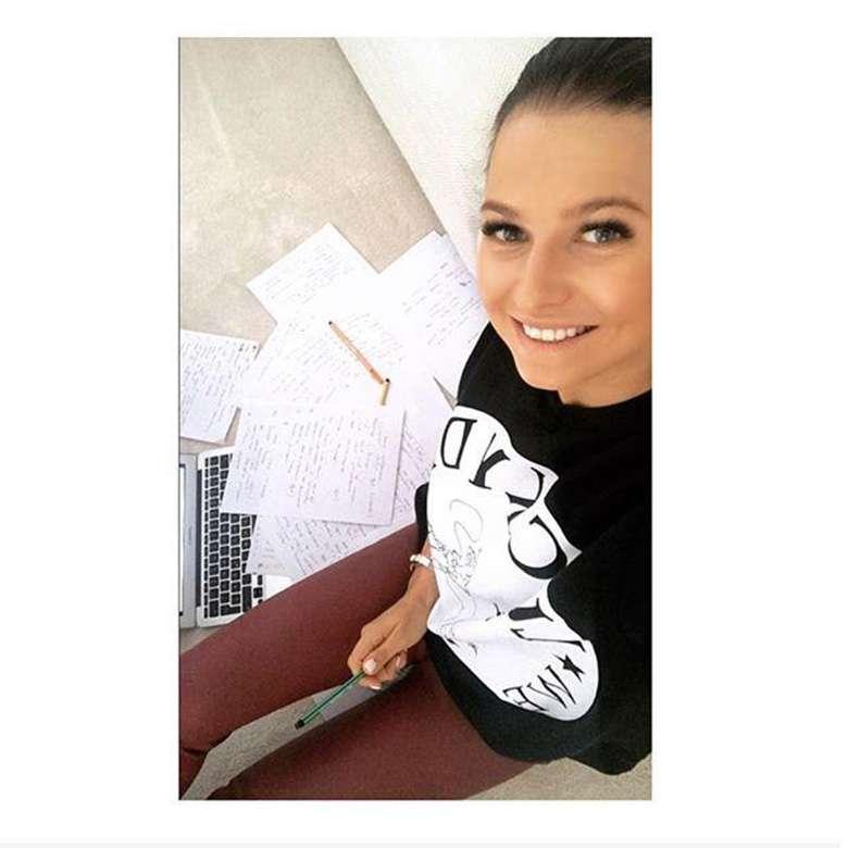 Anna Lewandowska w bluzie z Zary