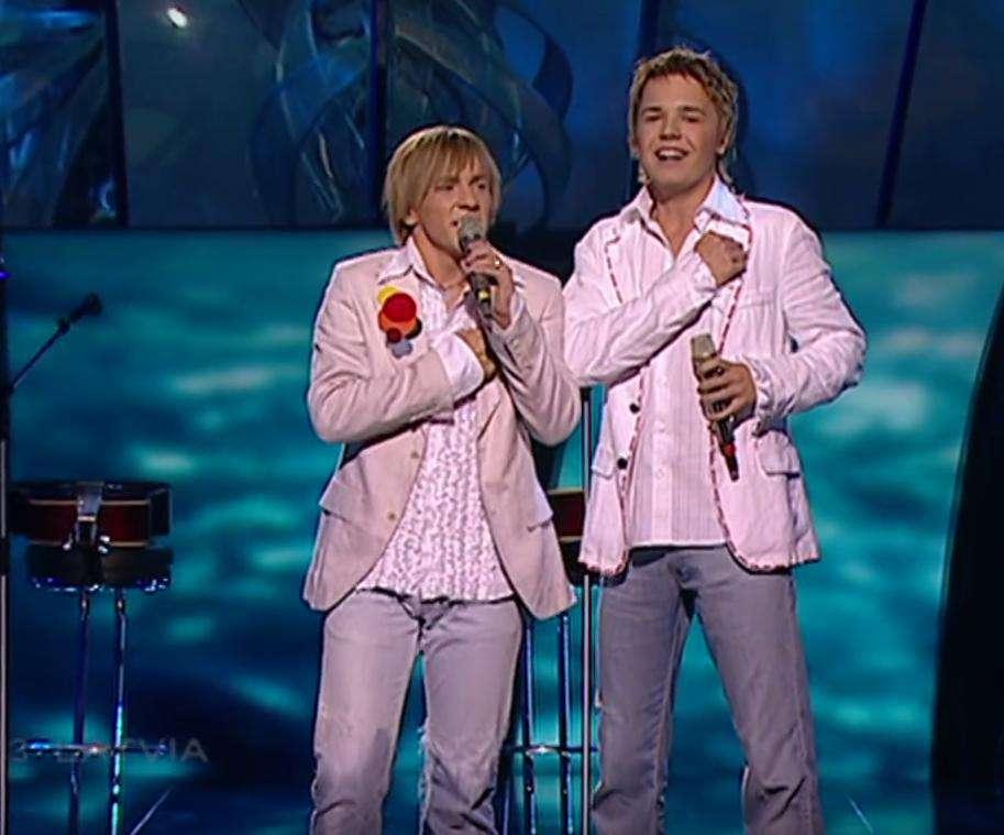 Reprezentant Łotwy na Eurowizji 2005 nie żyje (pierwszy z lewej)