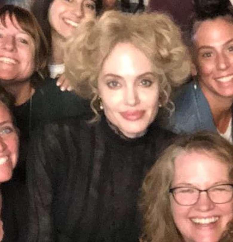 Zdjęcie (6) Angelina Jolie została blondynką! Gdyby nie podpis pod zdjęciami, nie uwierzylibyśmy, że to ona!