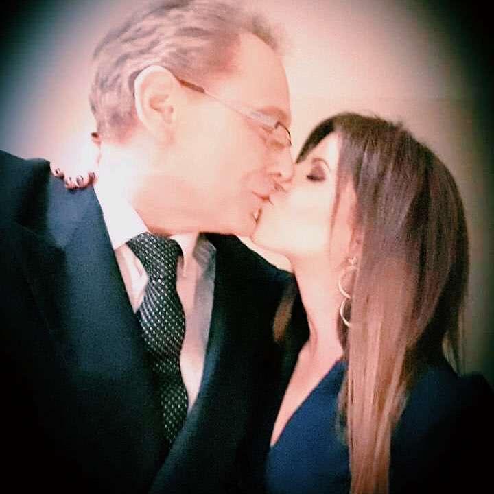 Jacek Borkowski i Paulina Koziejowska całują się