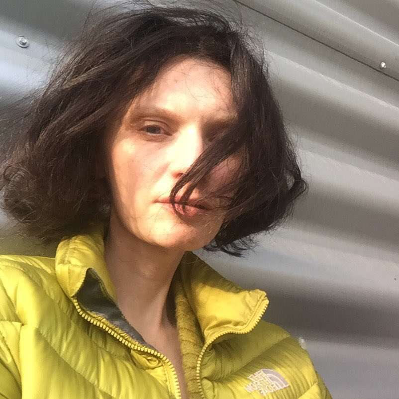 Agata Buzek obcięła i przefarbowała swoje włosy na brąz