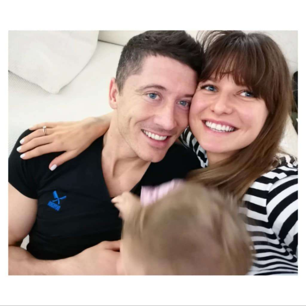 Anna Lewandowska, Robert Lewandowski i Klara Lewandowska na rodzinnym zdjęciu