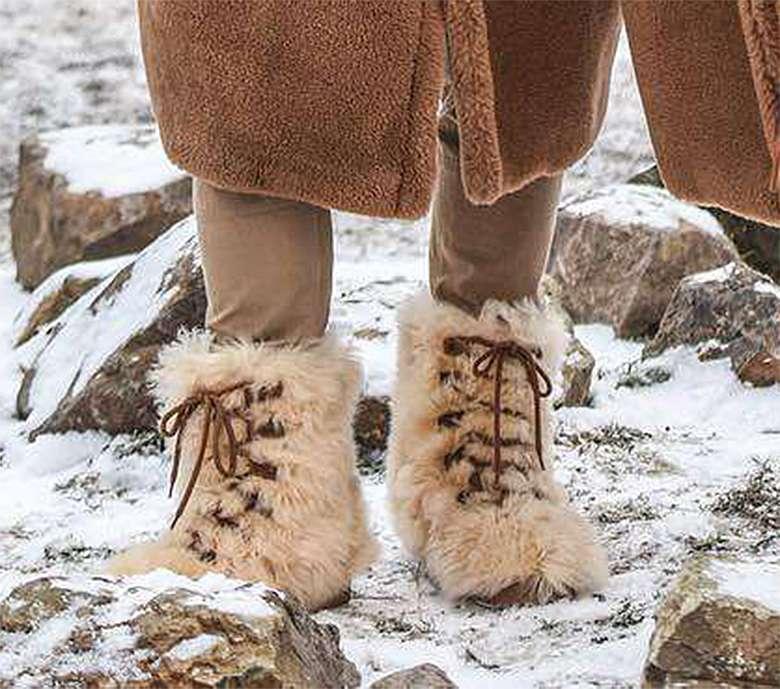 Grzegorz Krychowiak w futrzanych butach
