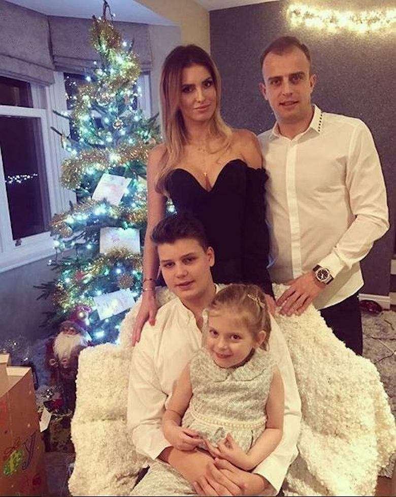 Dominika Grosicka i Kamil Grosicki z dziećmi
