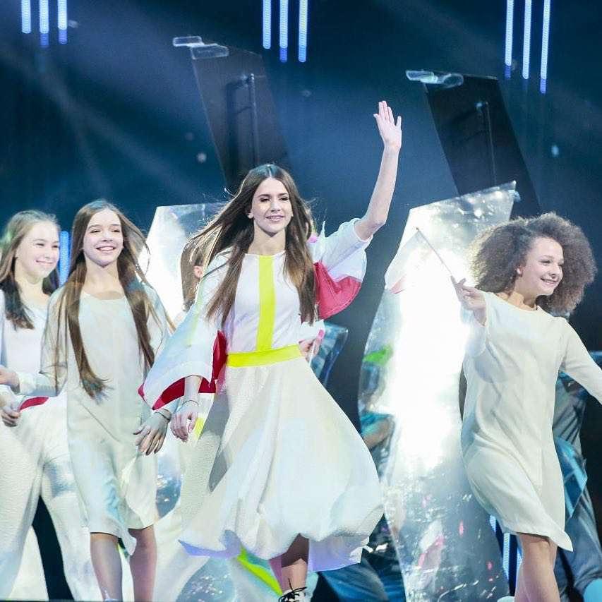Zdjęcie (2) Polska WYGRAŁA Eurowizję Junior 2018! Historyczny sukces Roksany Węgiel! Zobacz jej występ [WIDEO]