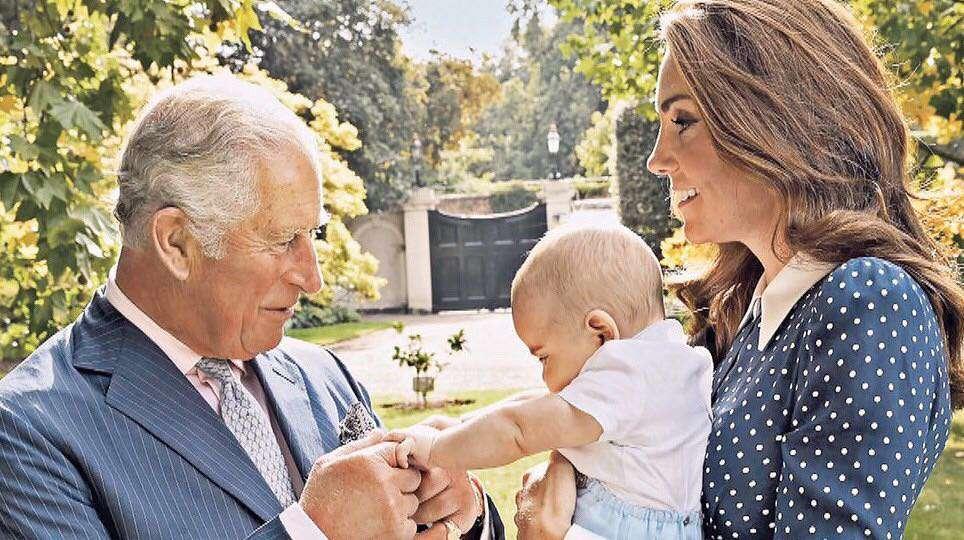 Księżna Kate, książę Louis i książę Karol