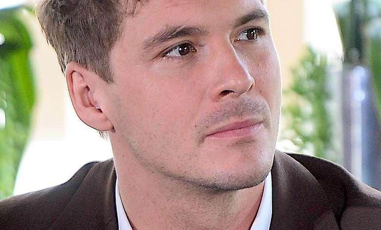 """Mikołaj Roznerski walczył z paskudną chorobą. Przeszedł przez piekło: """"Przez rok leżałem w szpitalu"""""""