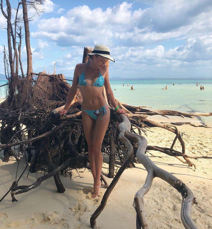 Feet Brooke Adams nude (14 photos), Ass, Paparazzi, Twitter, braless 2015