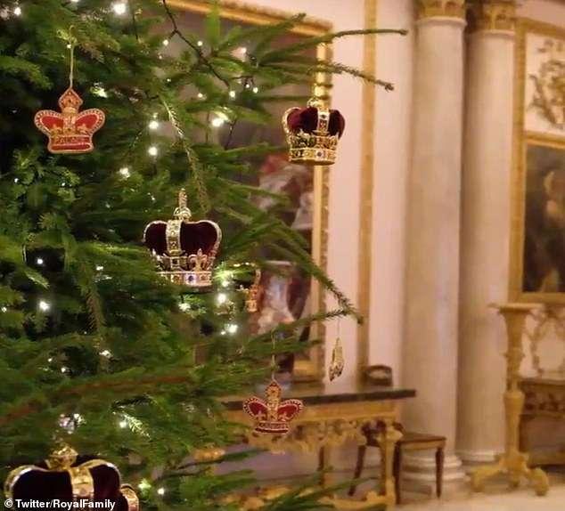 Pałac Buckingham udekorowany na Boże Narodzenie