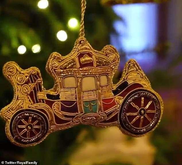 Świąteczne ozdoby w Buckingham Palace