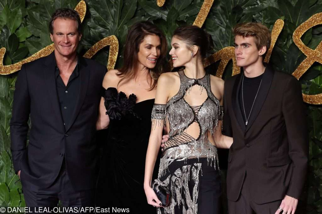 Rande Gerber, Cindy Crawford, Kaia Gerber i Presley Gerber - British Fashion Awards 2018