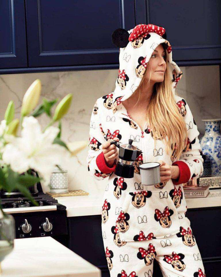 Małgorzata Rozenek w piżamie z Myszką Miki