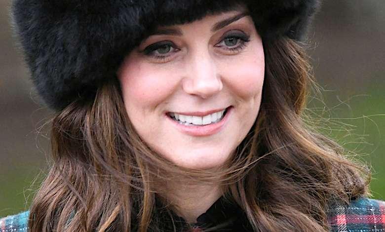 Księżna Kate sesja przy choince