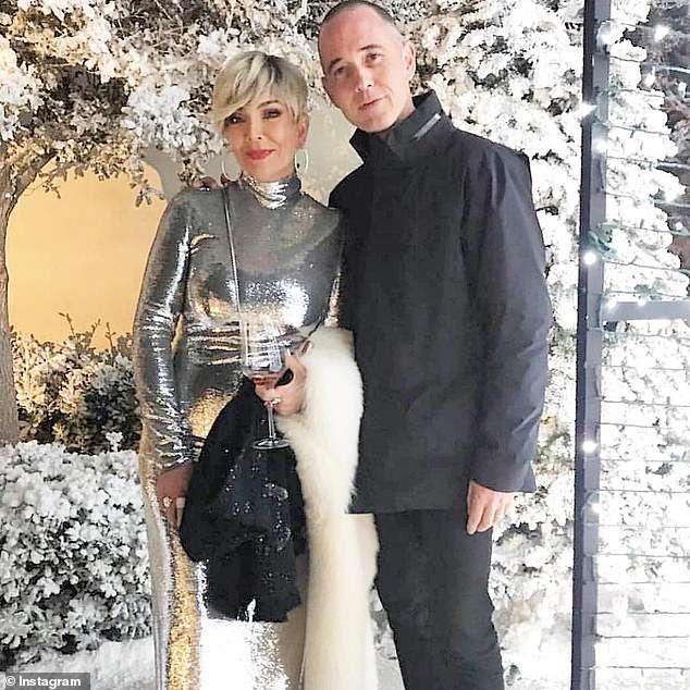 Wow! Kim Kardashian zbudowała własne zimowe miasteczko! Na świątecznej imprezie bawiły się nawet Cailtyn i Kris Jenner! zdjecie 1