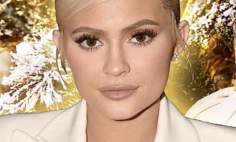 Kylie Jenner święta złota choinka