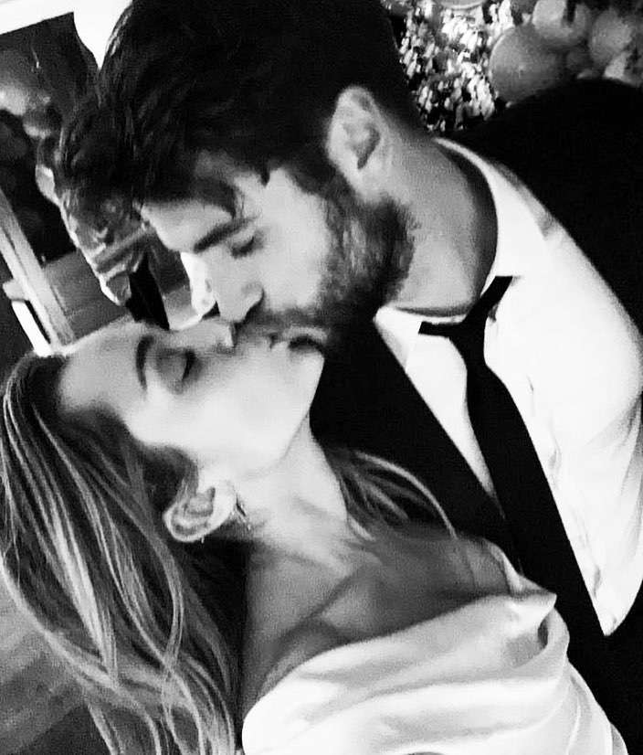 Liam Hemsworth i Miley Cyrus pobrali się 23 grudnia 2018