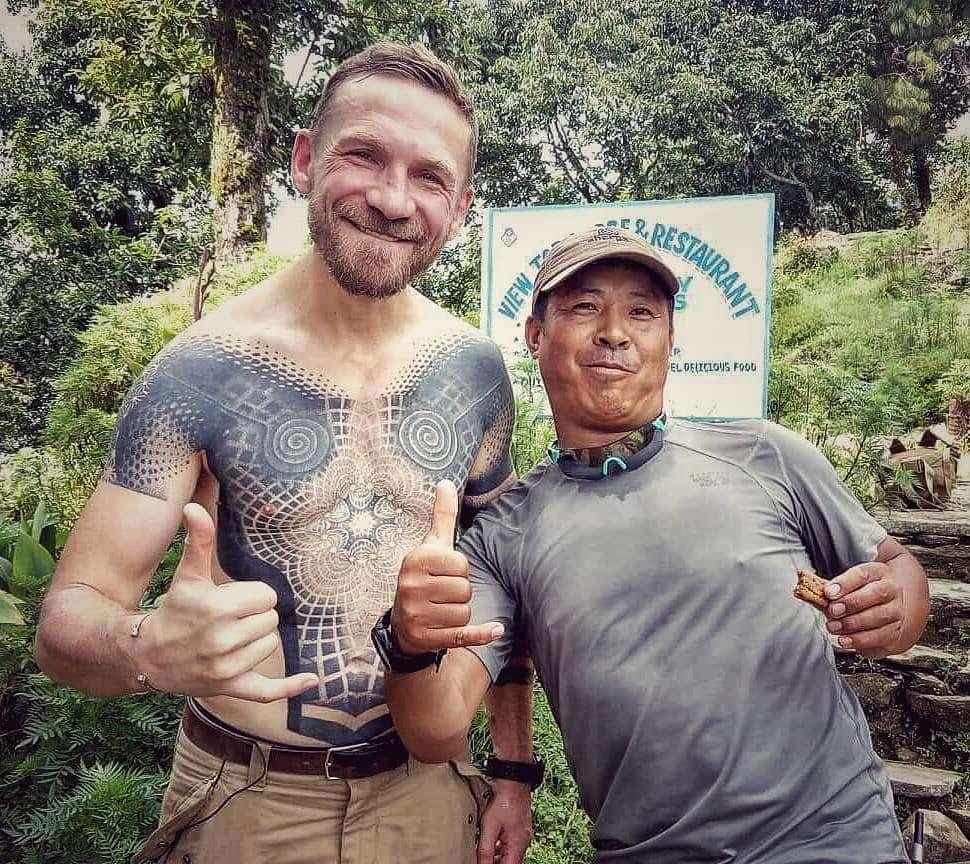 Przemek Kossakowski ma ogromny tatuaż