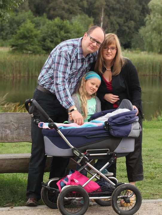 Paweł Adamowicz z żoną Magdaleną i córkami. Fot. Facebook