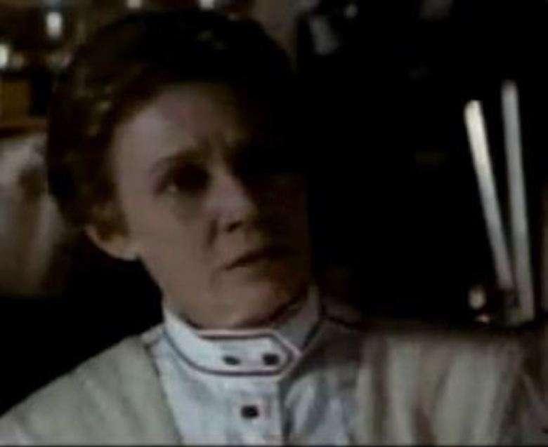 Verna Bloom jako Maude Bray w Doktor Quinn