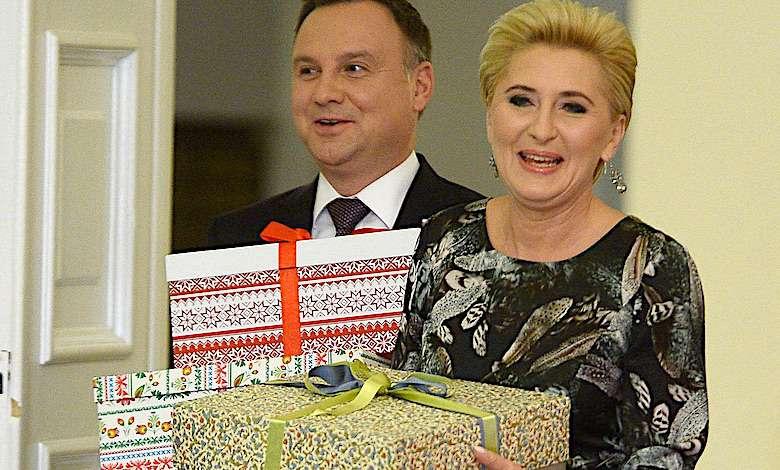 Pierwsza Dama ma gest! Cały pałac prezydencki oniemiał, gdy Agata Duda wręczyła pożegnalny prezent dla kluczowej postaci!