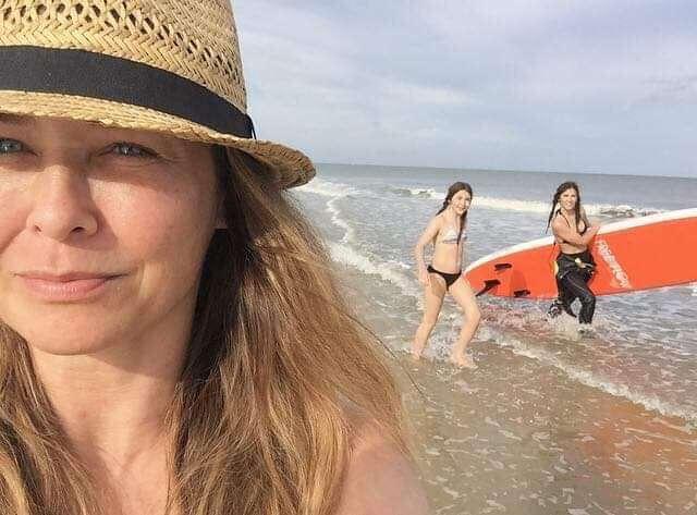 Dorota Naruszewicz z córkami na Florydzie