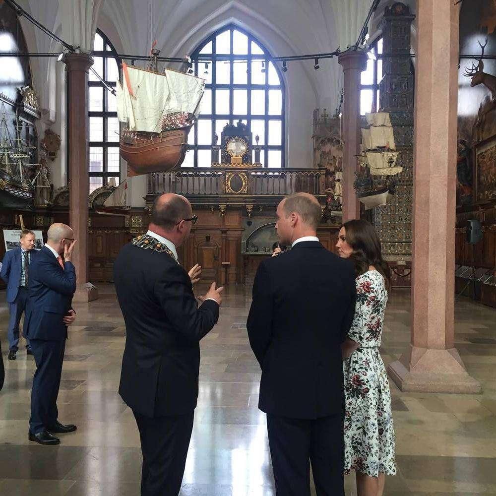 Księżna Kate podczas spotkania z Pawłem Adamowiczem