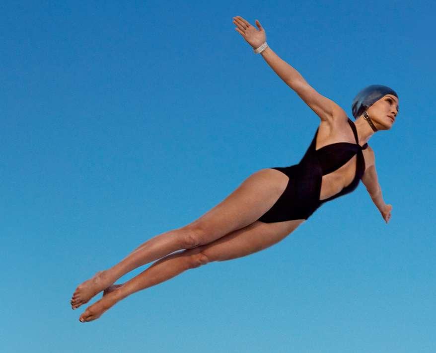 Jennifer Lopez w bikini w sesji dla Harper's Bazaar