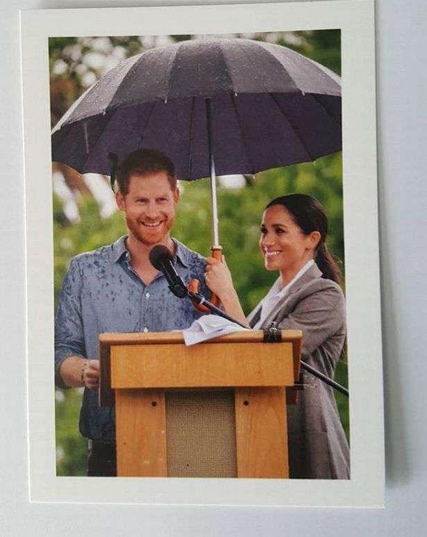 Pocztówka Meghan Markle i księcia Harry'ego