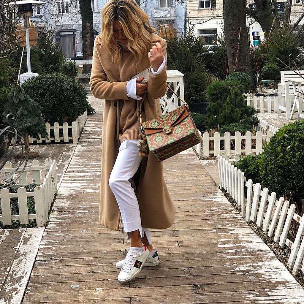 Małgorzata Rozenek w białych spodniach z Zary